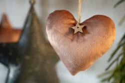 Hänger aus Samt in Altrosa mit Glitter Gold