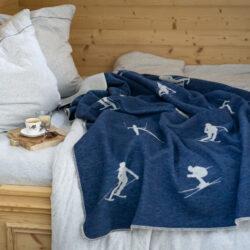 Decke mit Skifahrer in Navy oder Rohweiss