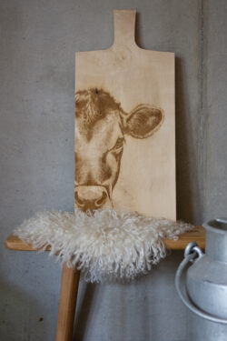 Selbrae House Scottisch Made Large Sycamore Jersey Cow Paddle