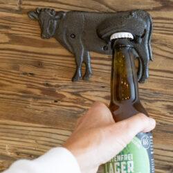 Flaschenöffner Wandhalterung Kuh Alpenkuh