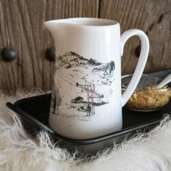 Keramik Kanne Vase mit Skifahrer Lift Alpenstil