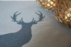 Teppich mit Hirsch Motiv David Fussenegger